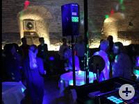 Tanzende Gäste bei der Ü40 Party