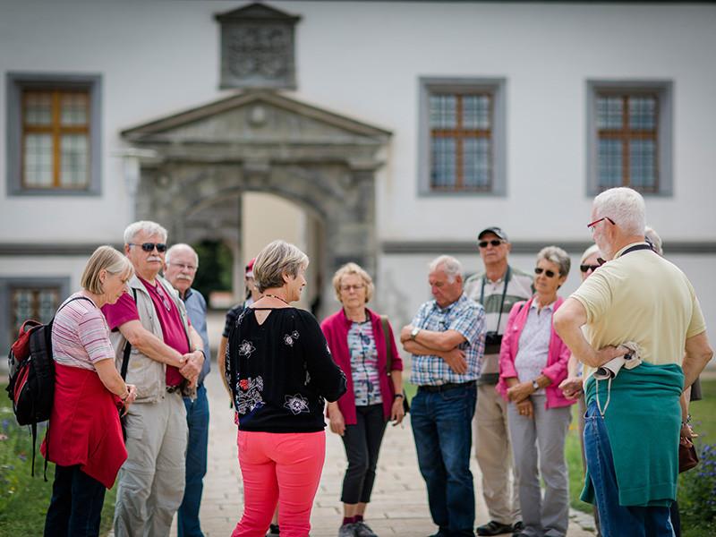 Gruppe bei eine Schlossführung